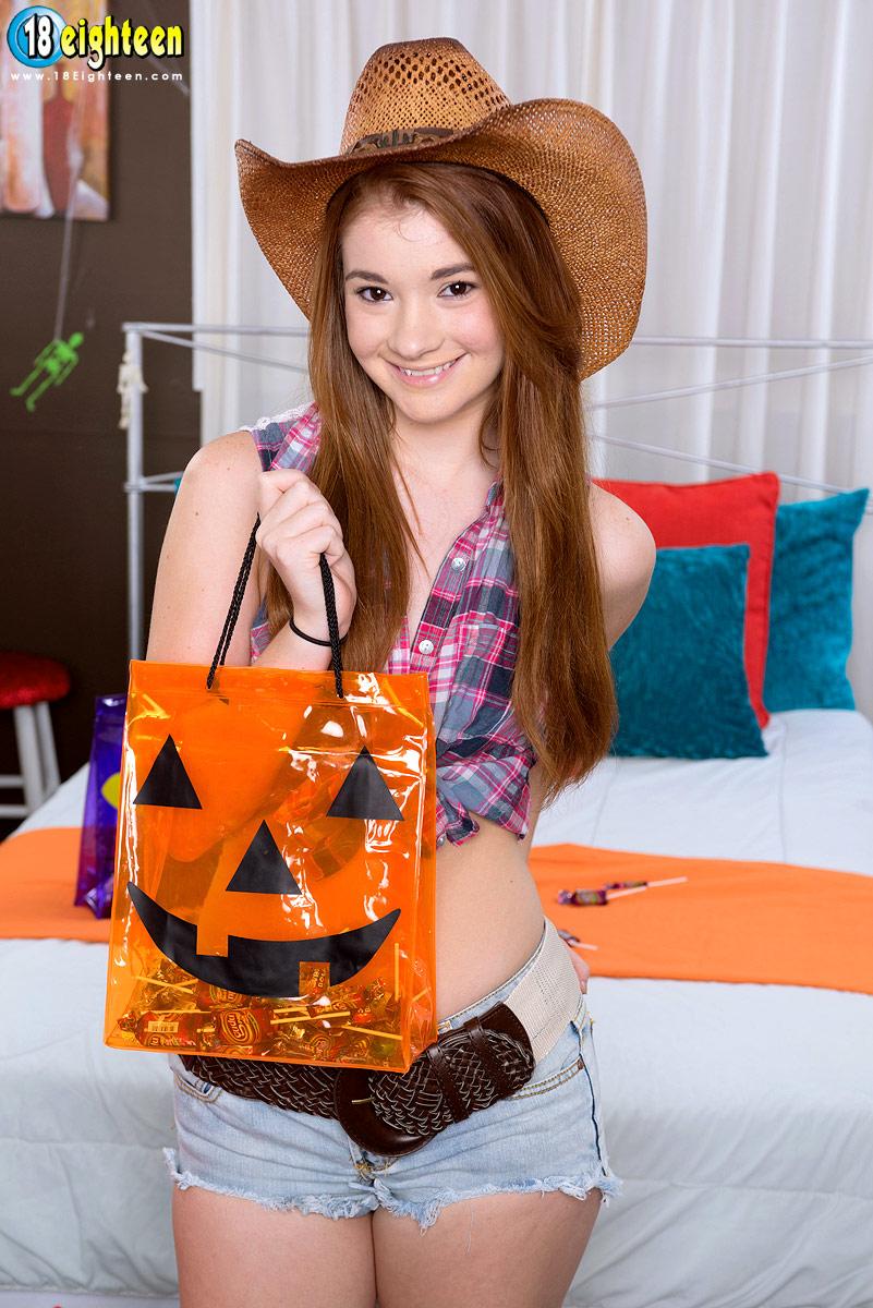 Eighteen halloween hoochies ava sparxxx and heather night
