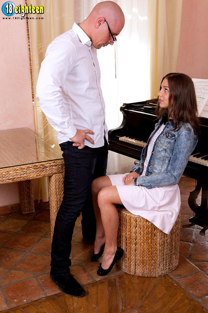 Eighteen pounding on the piano foxy di and leny ewil photos