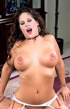 Leiora Lixxx -  Big Tits model
