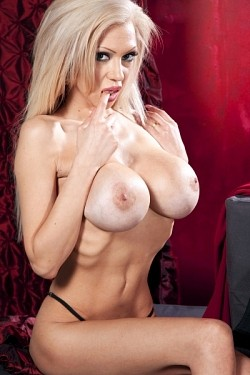 Frankie -  Big Tits model