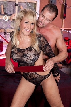 Brittney Snow -  MILF model