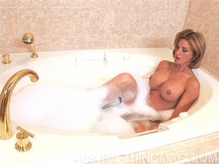 Sharona Gold - Solo MILF video