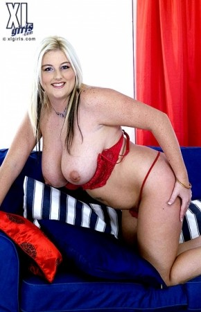 Claire - Solo BBW photos