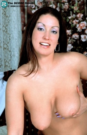 Leah - Solo Big Tits photos