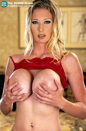 Darby - Solo Big Tits photos