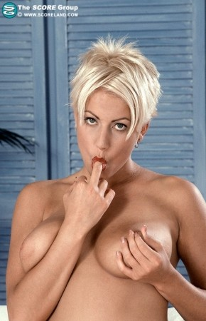 Deanna Baldwin - Solo Big Tits photos