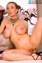 Eden - Solo Big Tits photos