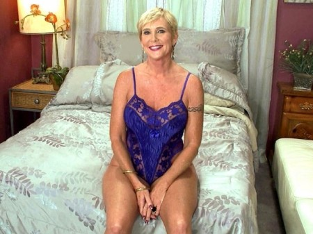 Honey Ray - Interview MILF video