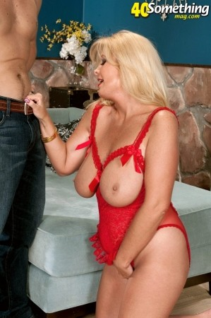 Shane - XXX MILF photos
