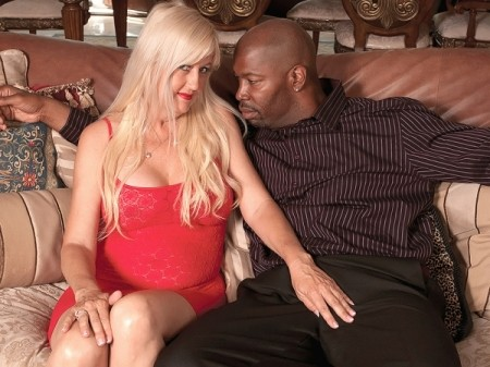 Marina Johnson - XXX MILF video