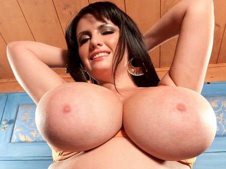 Arianna Sinn - Solo Big Tits video