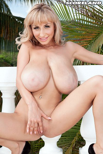 Venera - Solo Big Tits photos