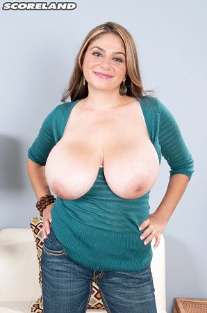 Jasmine Shiraz - Solo Big Tits photos