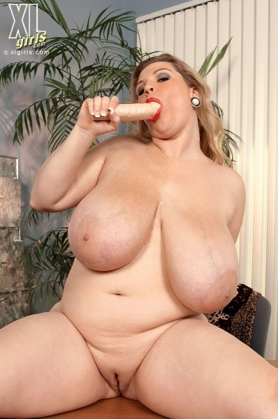 Renee Ross - Solo BBW photos