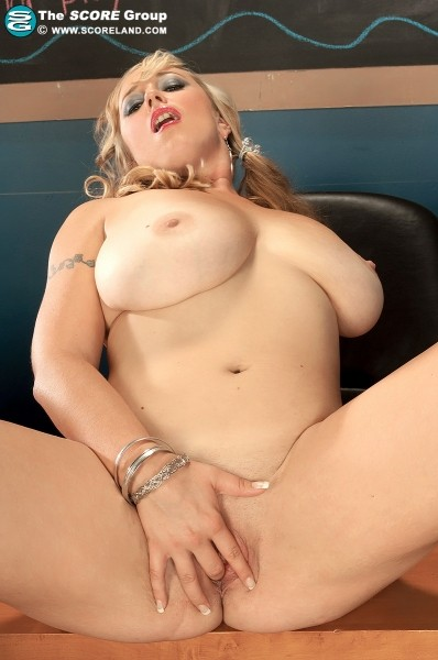 Kaytee Carter - Solo Big Tits photos