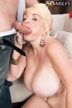 Missy Thompson - XXX MILF photos