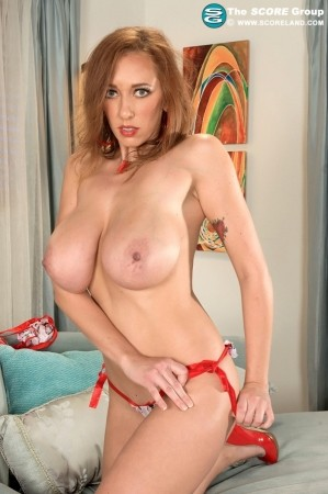 Alia Janine - Solo Big Tits photos