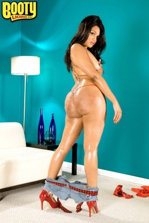 Blu Diamond - Solo Big Butt photos