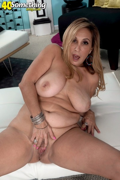 Sophia Jewel - Solo MILF photos