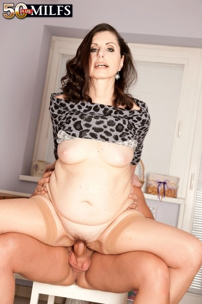 Lorenzia - XXX MILF photos