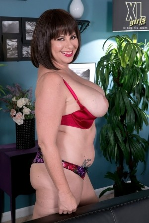 Kris Kelly - Solo BBW photos