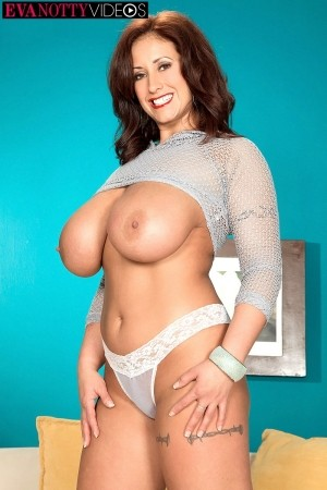 Eva Notty - Solo Big Tits photos