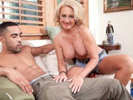 Cali Houston - XXX MILF video