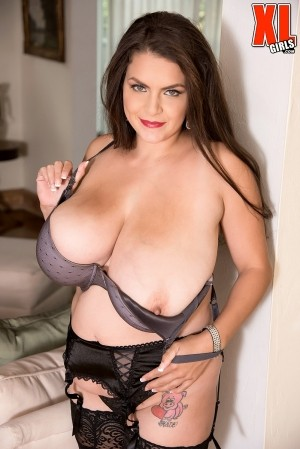 Alaura Grey - Solo BBW photos