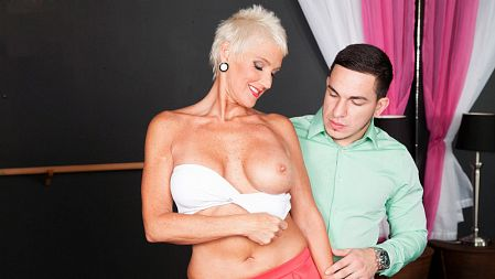 Lexy Cougar - XXX MILF video