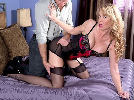 Desiree Dalton - XXX MILF video
