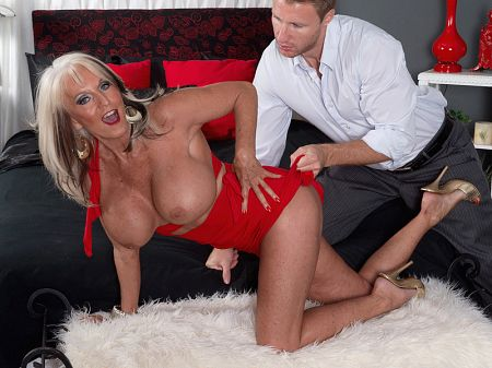 Sally D'Angelo - XXX Granny video
