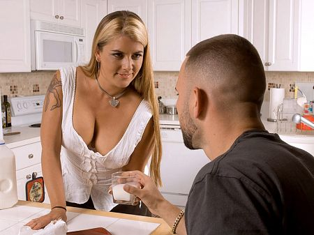 Joclyn Stone - XXX MILF video