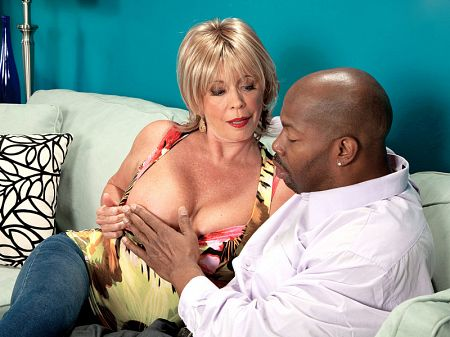 Lexi McCain - XXX MILF video