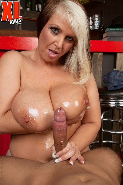 Channel Sweets - XXX BBW photos