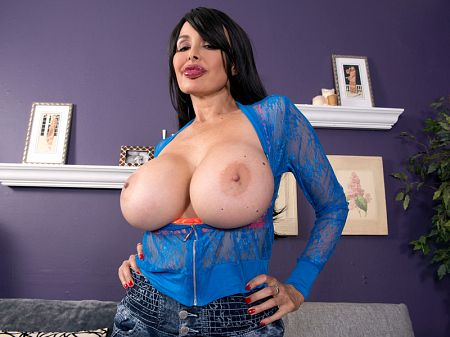 Claudia KeAloha - Solo Big Tits video