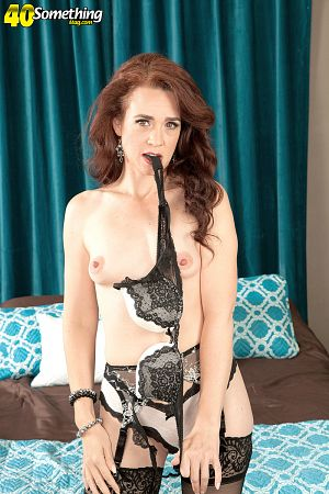 Sable Renae - Solo MILF photos