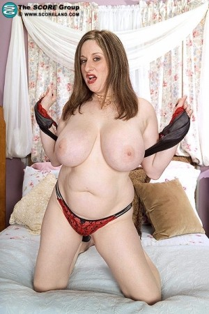 Kitty Lee - Solo Big Tits photos