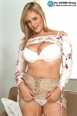 Laura Leeds - Solo Big Tits photos