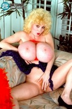 Leanne Lovelace - Solo Big Tits photos
