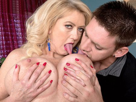 Jeremy Ace - XXX Big Tits video