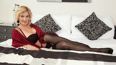 Thomas Lee - XXX MILF video