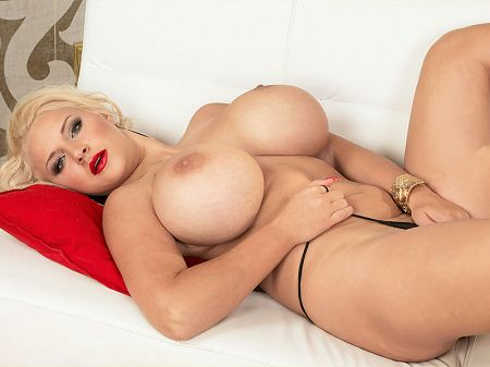 Dolly Fox - Solo Big Tits video