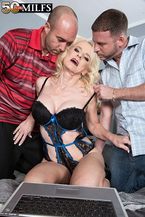 Tony Rubino - XXX MILF photos