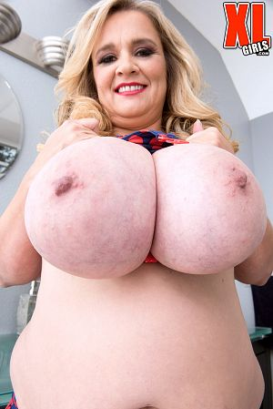 Cami Cooper - Solo BBW photos