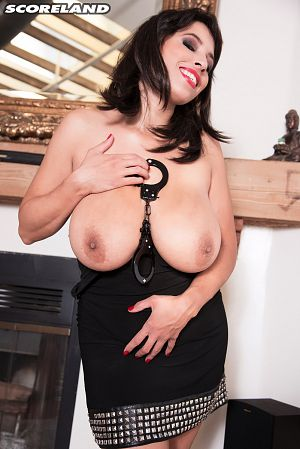 Elle Flynn - Solo Big Tits photos
