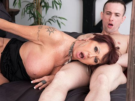 Gina Milano - XXX Granny video