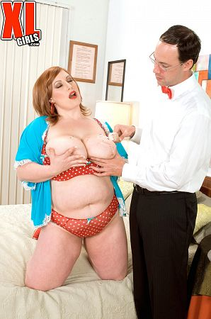 Nikki Cars - XXX BBW photos