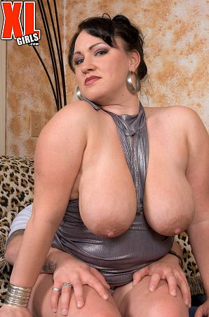Aspen - Solo BBW photos