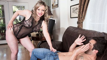 Mallory Taylor - XXX MILF video