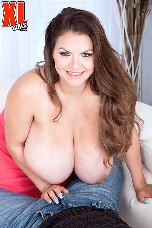 Alaura Grey - XXX BBW photos